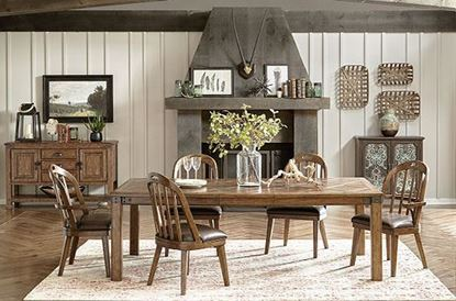 Heartland Falls Dining with Rectangular Table